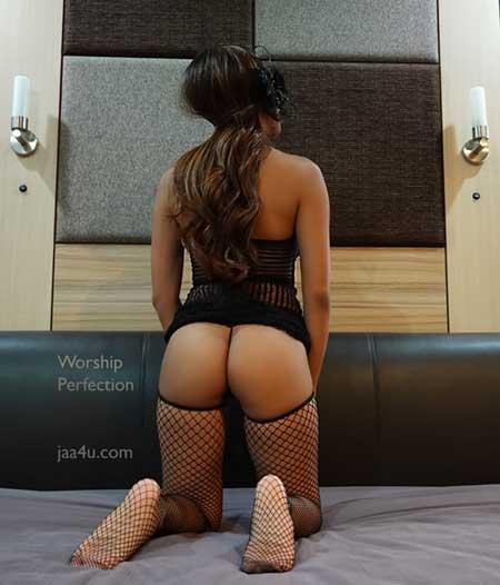 Worship-Perfection-Mistress Domina