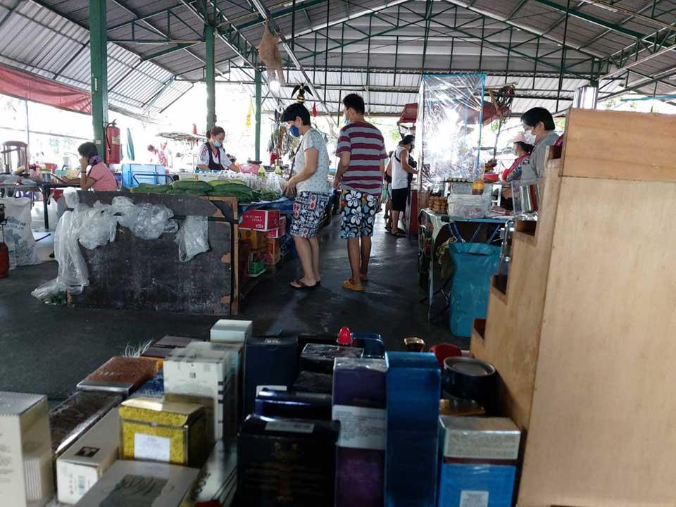 perfume-store-at-small-market